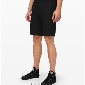 Men's Lululemon lightweight shorts